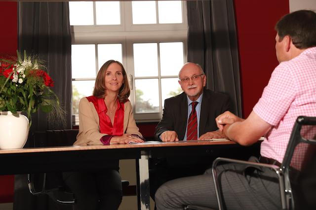 Besprechung der Immobilienmakler Tesch mit Sitz in Hamburg & Aachen