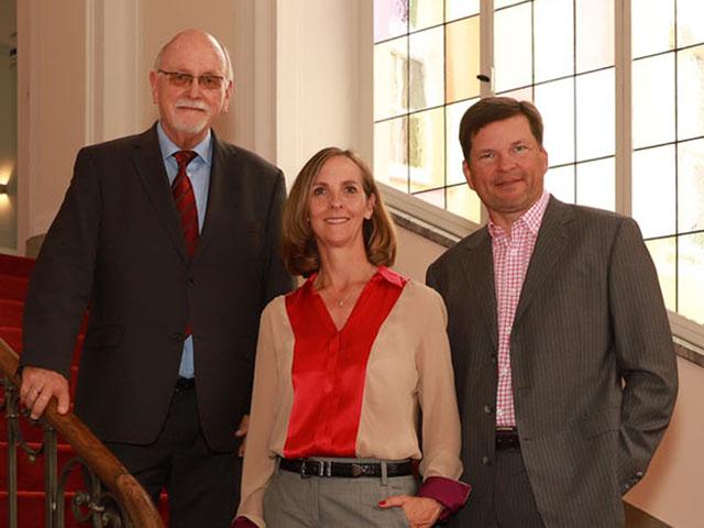 Hans und Sandra Tesch und Dirk Offermann von Immobilien Hansa für Immobilienverkauf